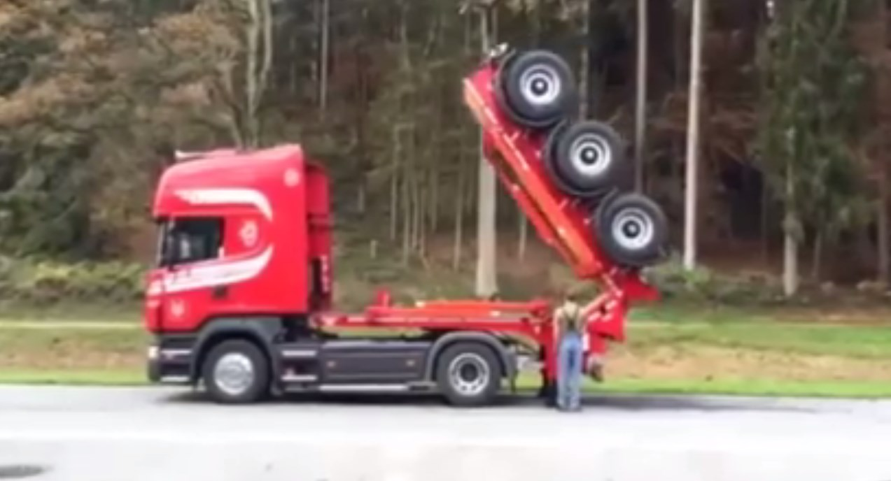 FOLDING TRUCK TRAILER By MOBAS 2