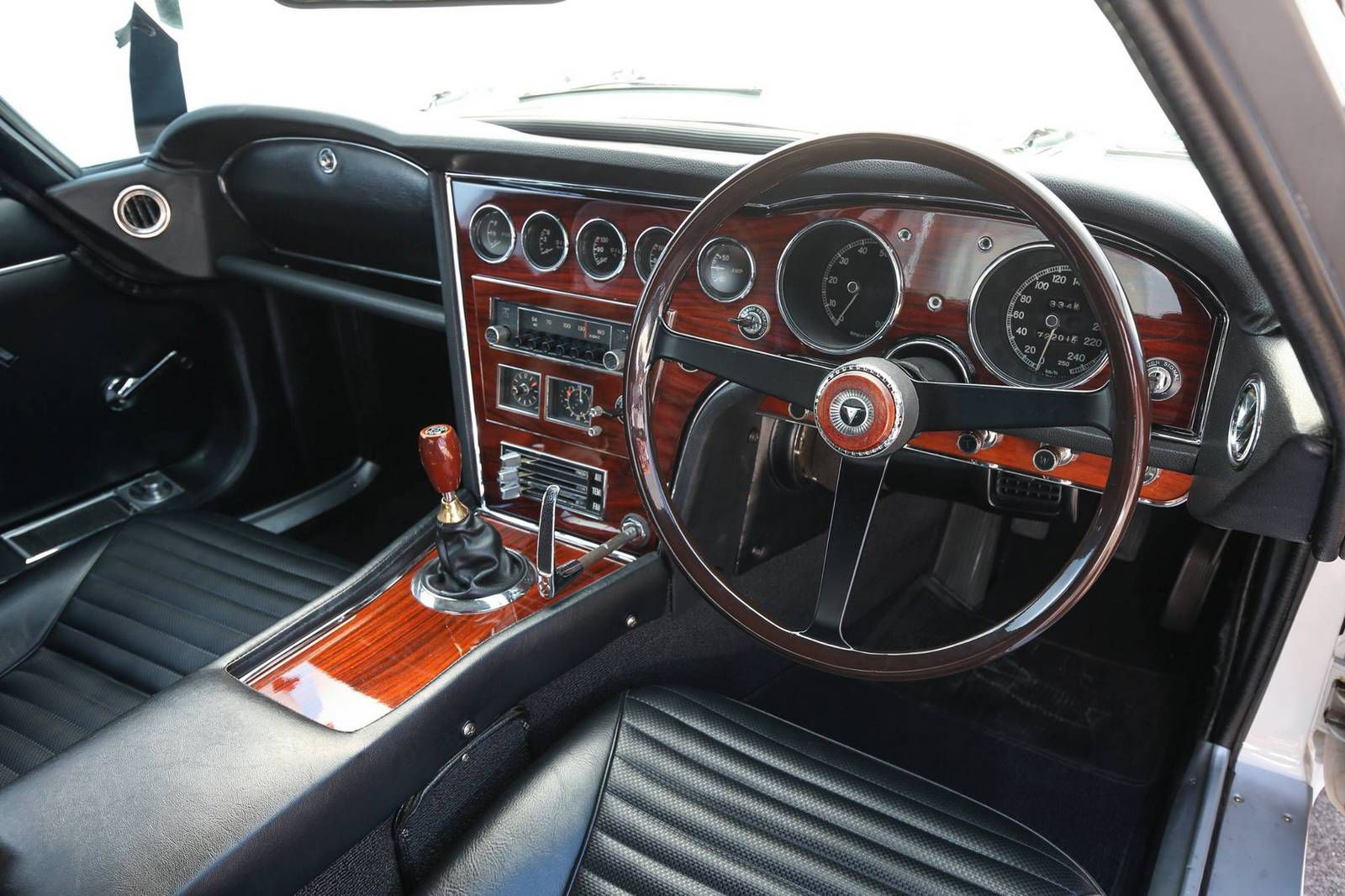 Rare Toyota 2000 GT Goes On Sale 7