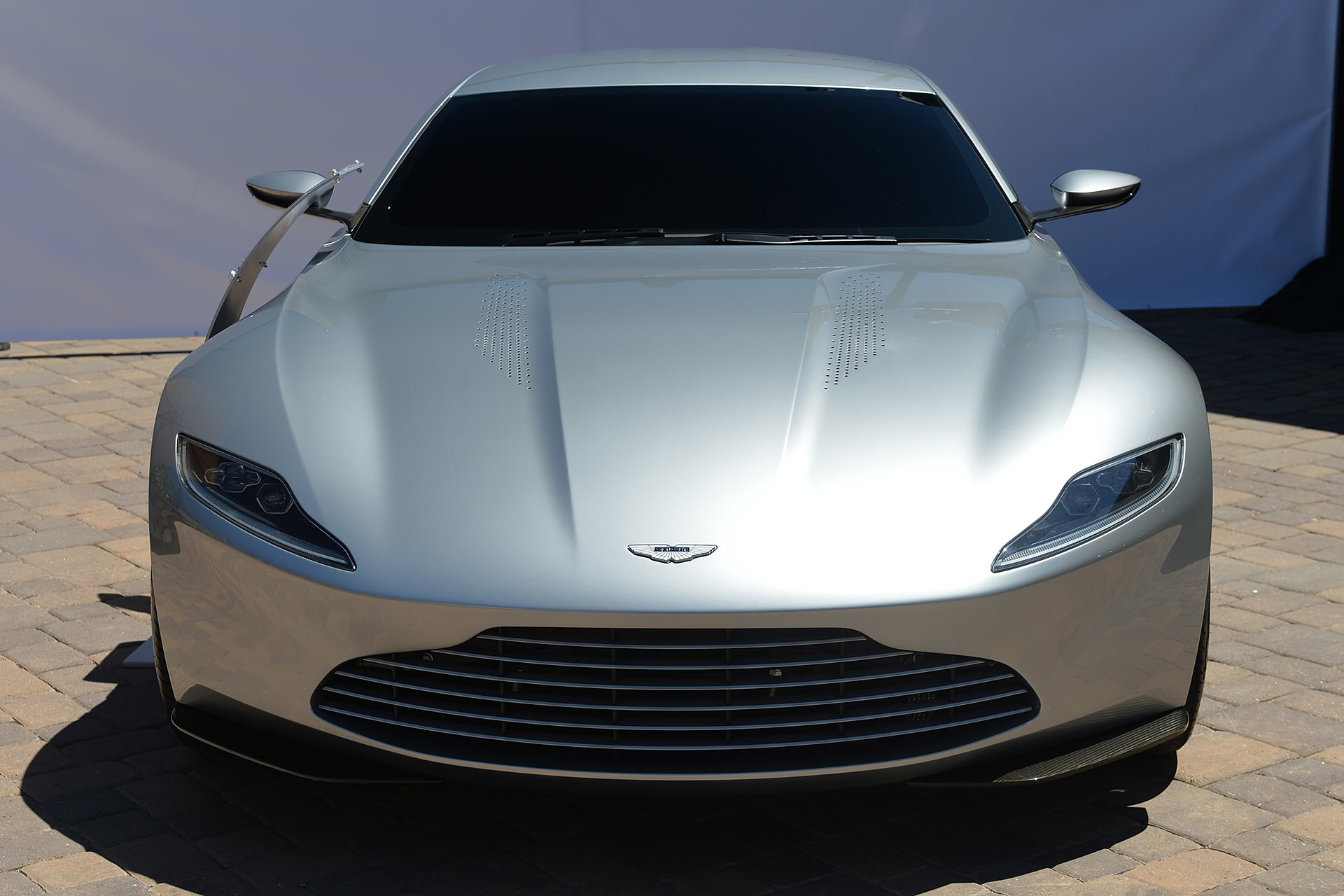 aston martin spectre james bond 4