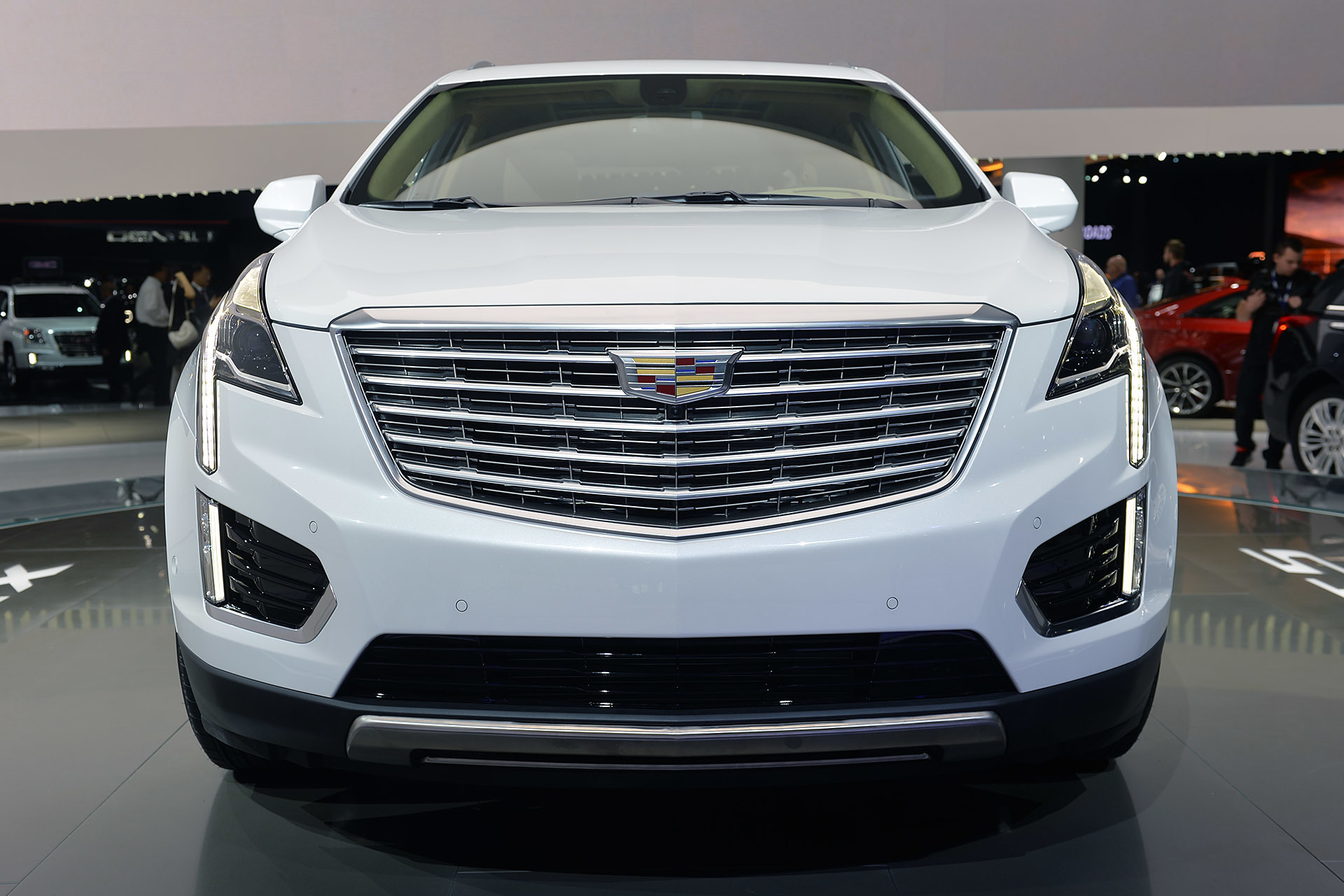 2017 cadillac xt5 crossover at los angeles auto show 2015. Black Bedroom Furniture Sets. Home Design Ideas