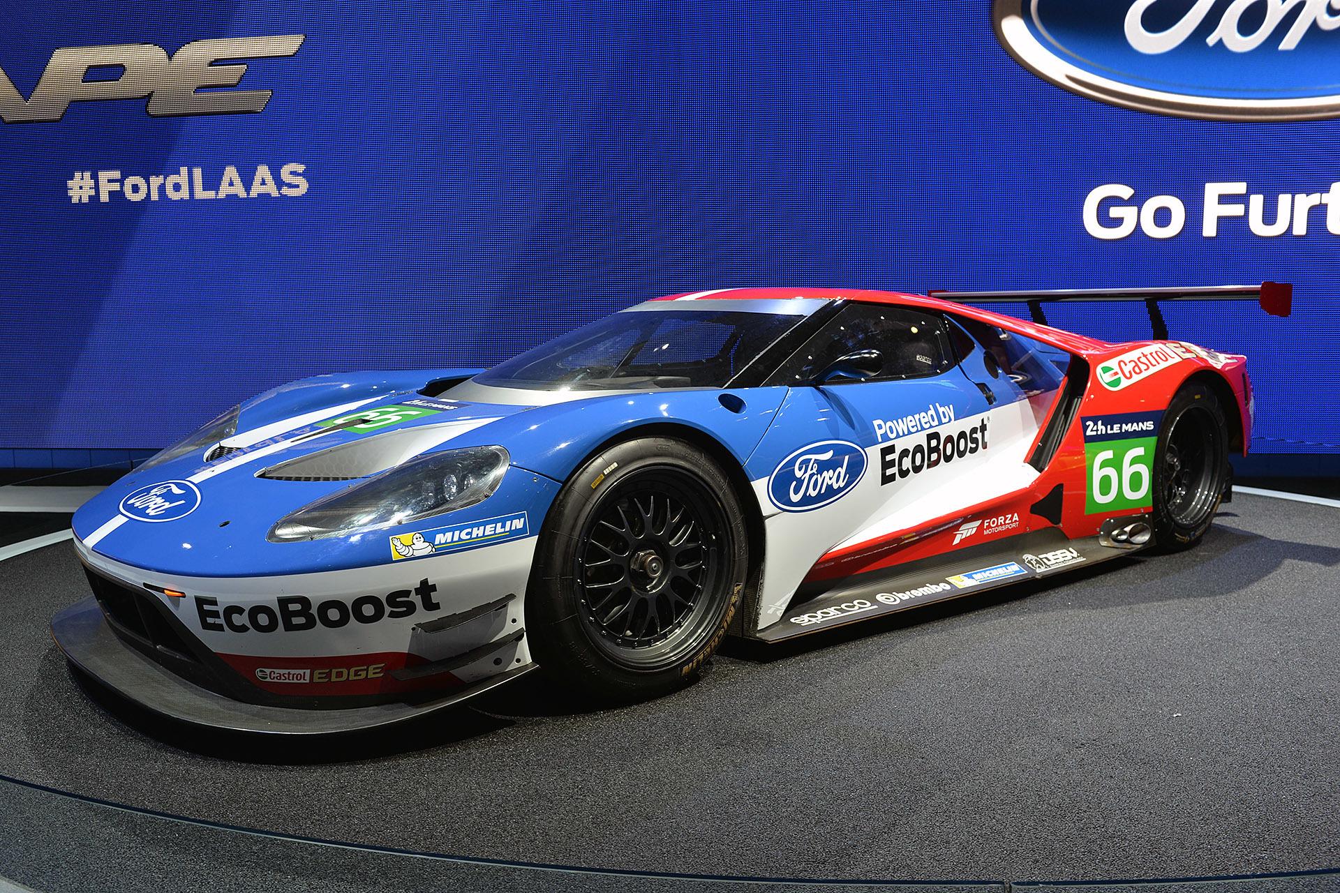 ford gt races la auto show 2015 2