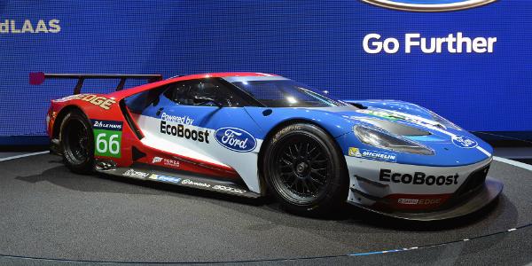 ford gt races la auto show 2015 TN