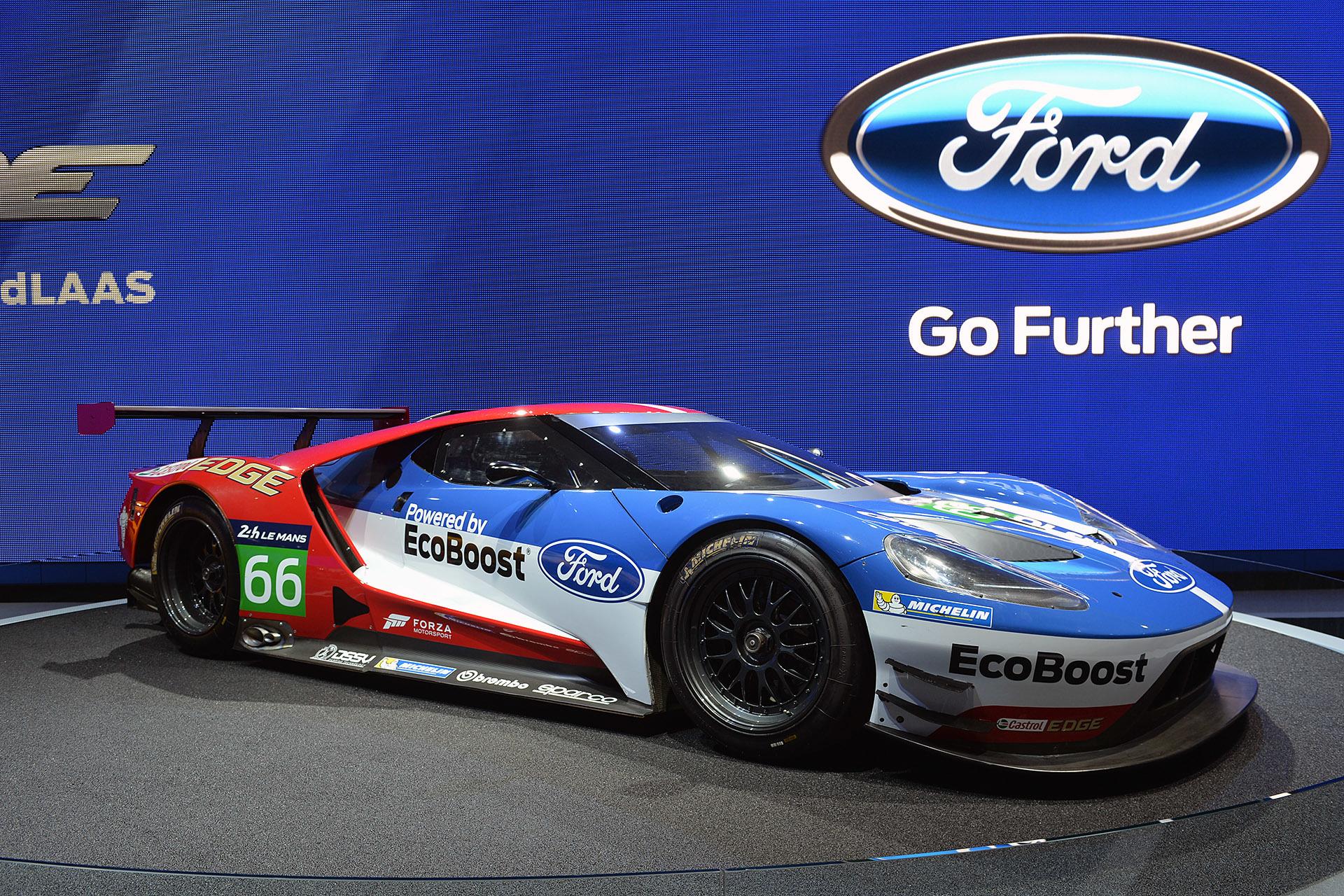 ford gt races la auto show 2015 cover