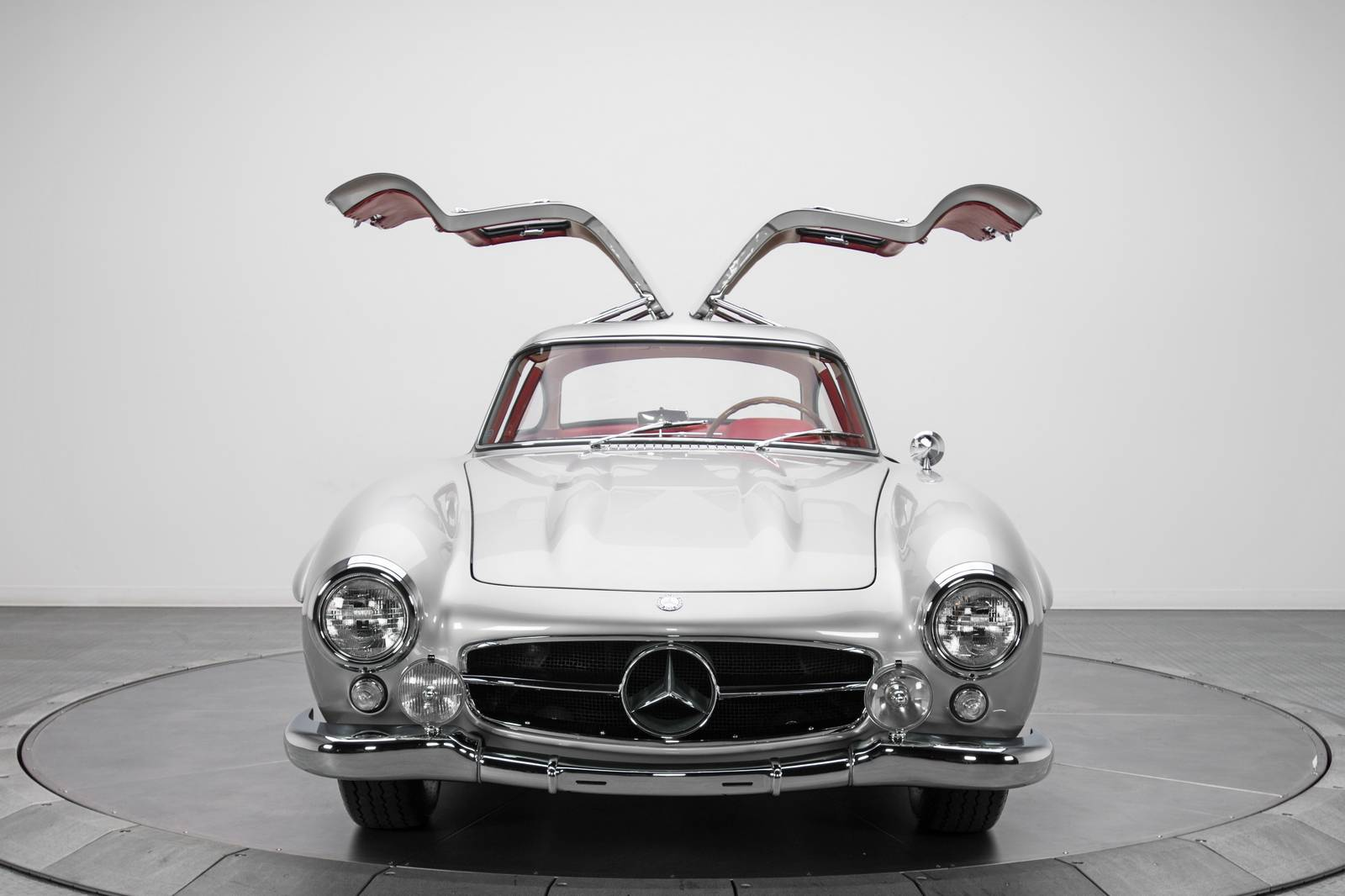 1954 Mercedes-Benz 300 SL Sold For 1.9 Million USD 2