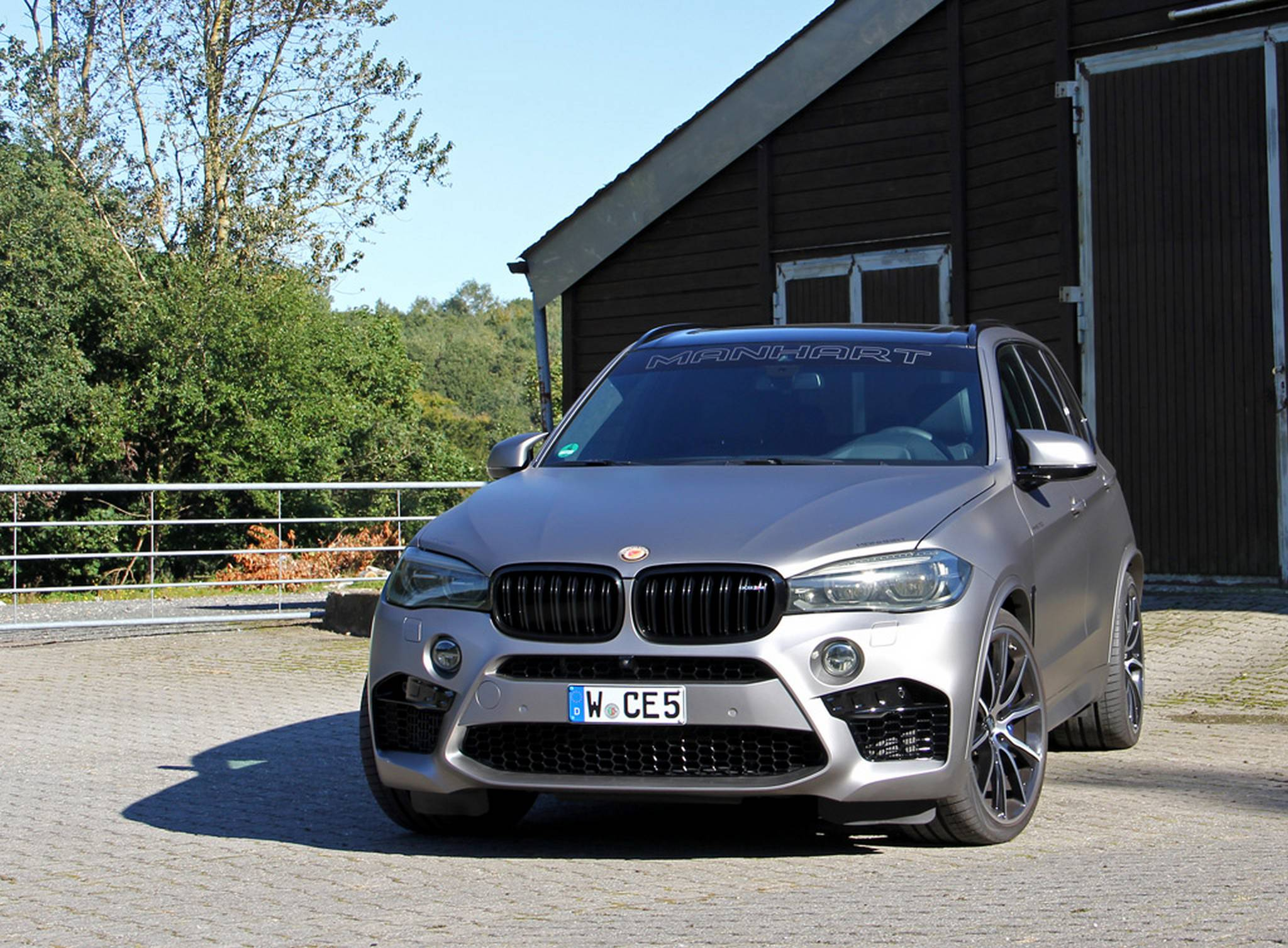 BMW MHX5 700 By Manhart Performance 2