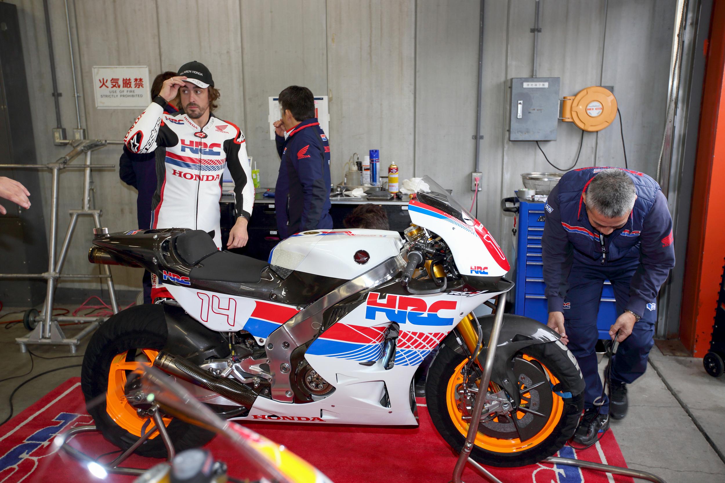 Fernando Alonso Rode Honda RC213V 5