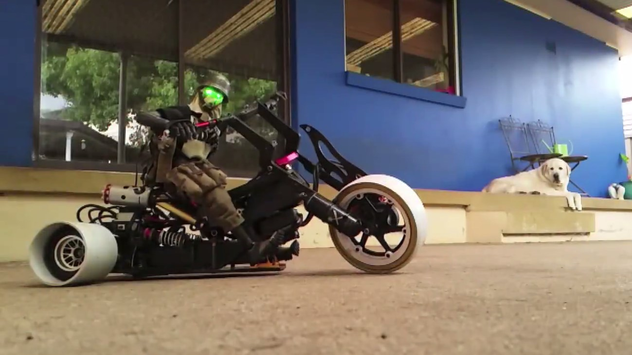 Gnarly AWD RC Trike Toy Donuts & Burnouts 3