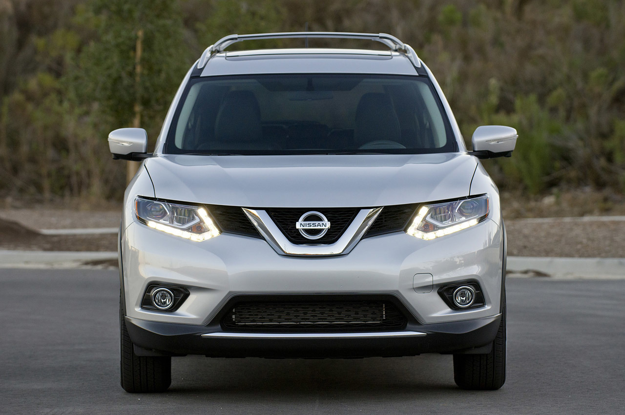 Nissan Rogue Recall For 34 000 Units For Park Sliding Out Muscle
