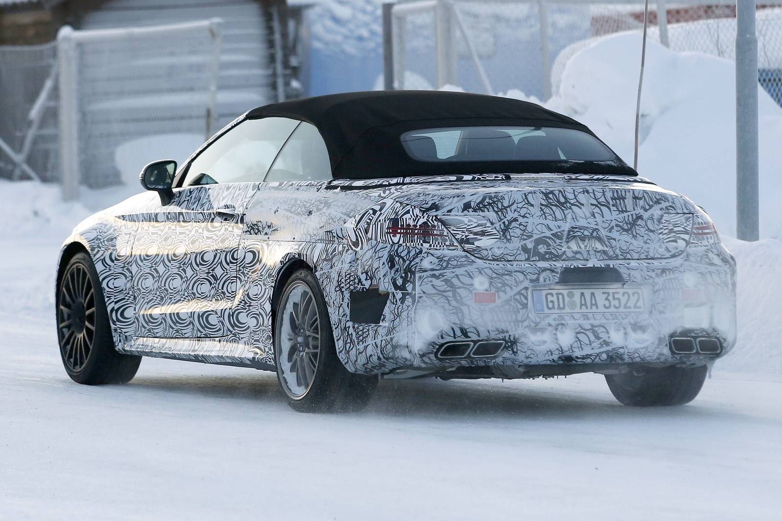 http://www.musclecarszone.com/wp-content/uploads/2016/01/2017-Mercedes-Benz-C63-AMG-Cabriolet-Spy-Shots-5.jpg