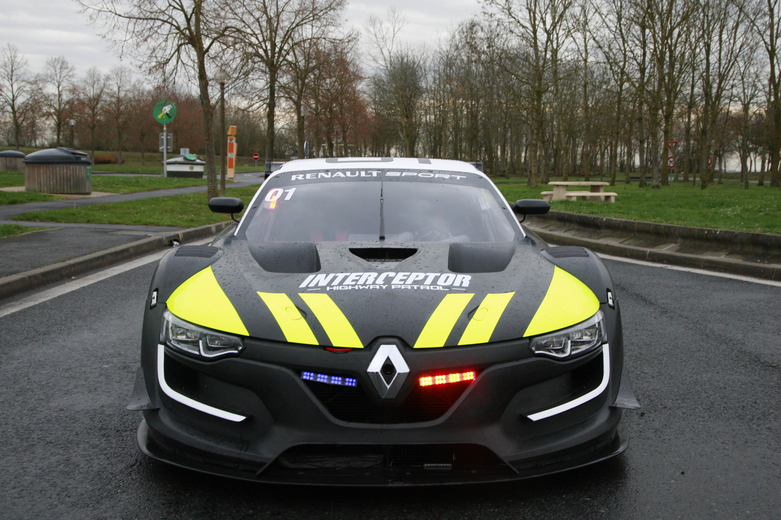 french police concept vehicle renault sport rs 01 interceptor 7 muscle cars zone. Black Bedroom Furniture Sets. Home Design Ideas