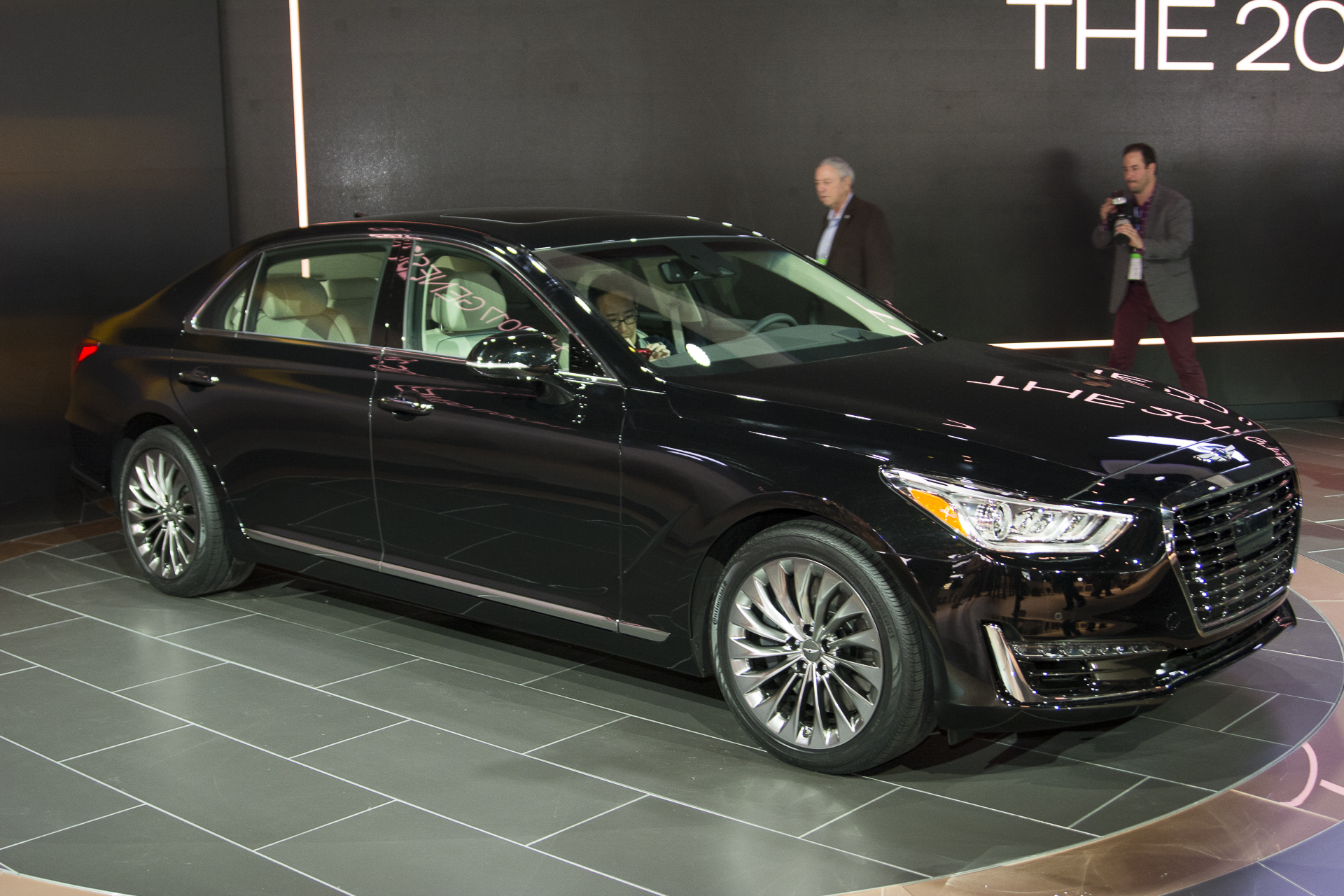 Genesis G90 Finally Debuted At The 2016 Detroit Motor Show 1