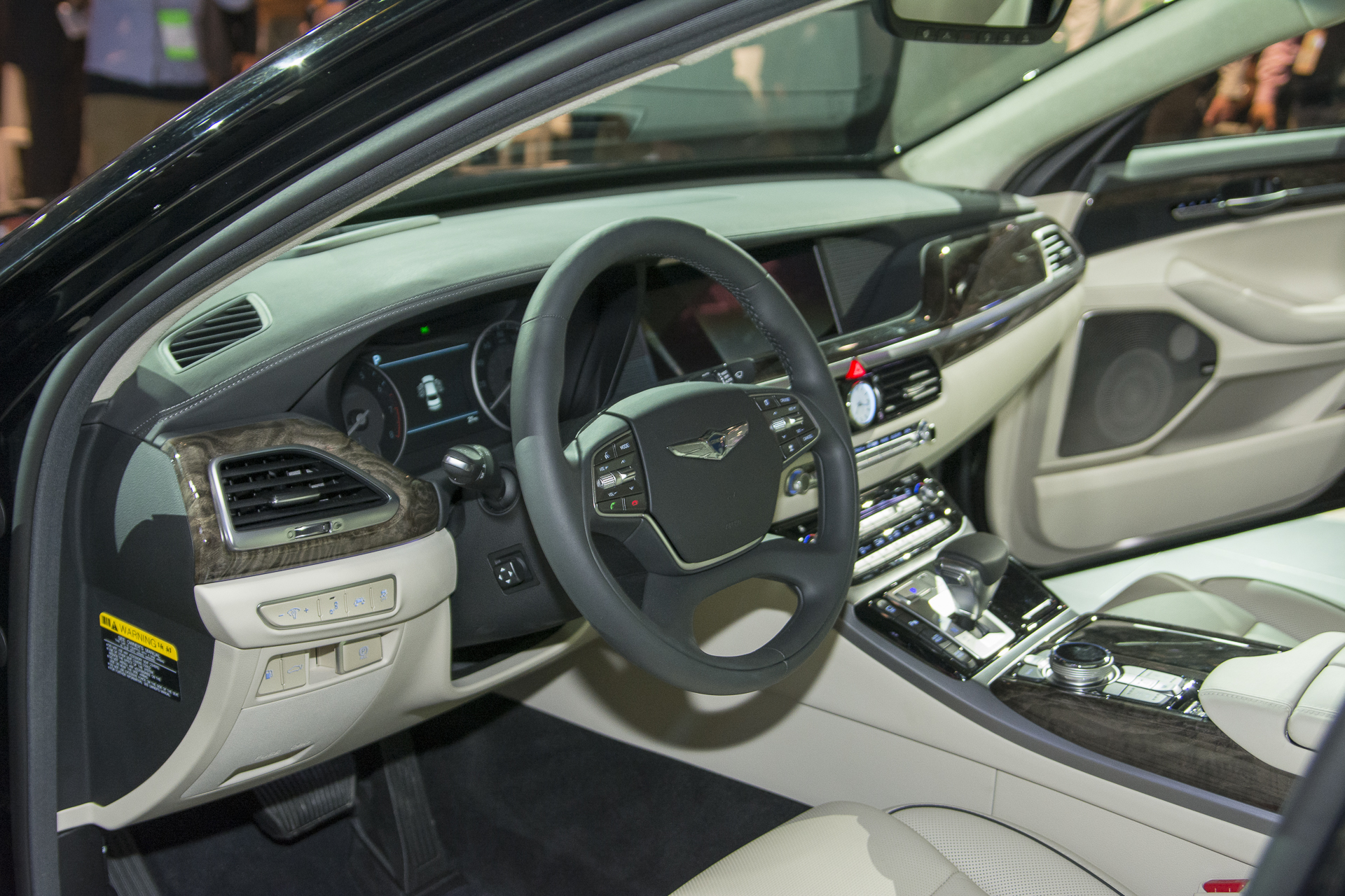 Genesis G90 Finally Debuted At The 2016 Detroit Motor Show 6