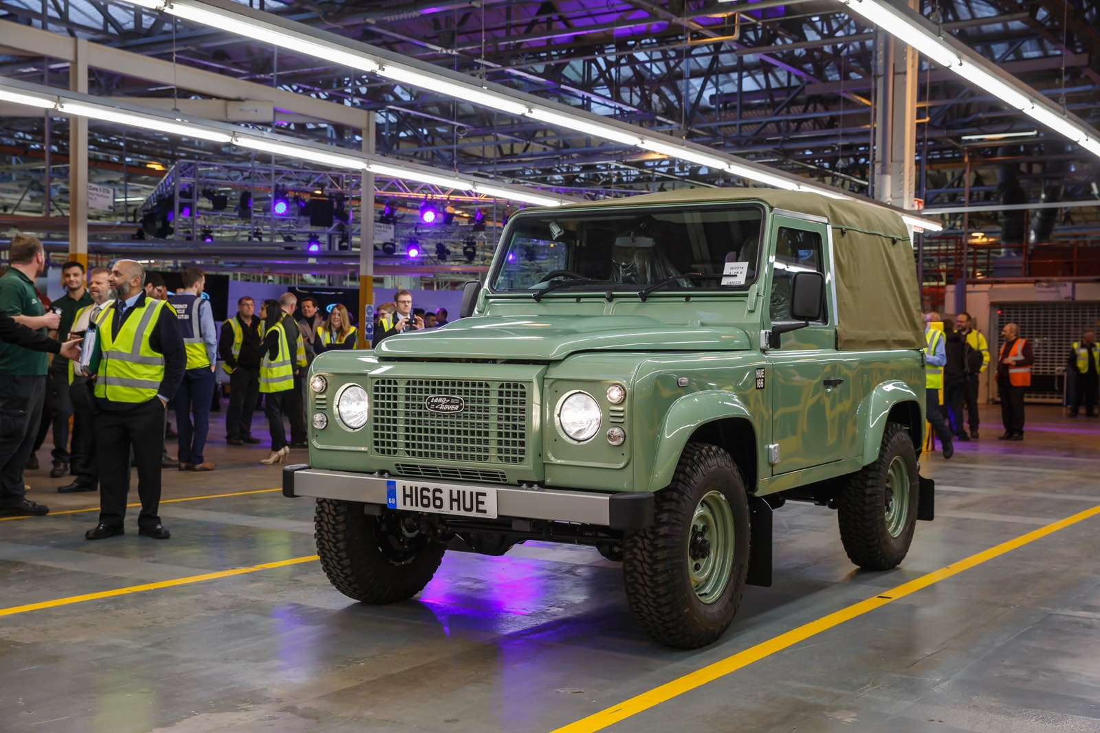 Land Rover Defender Becomes History 6