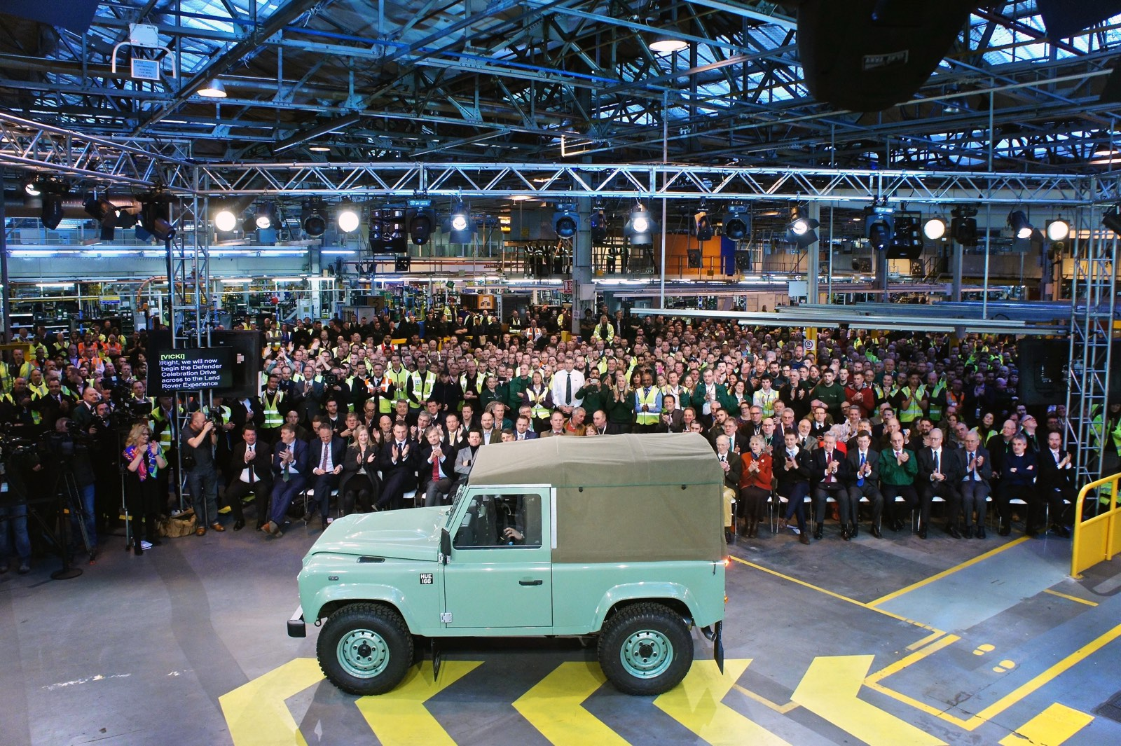 Land Rover Defender Becomes History 7
