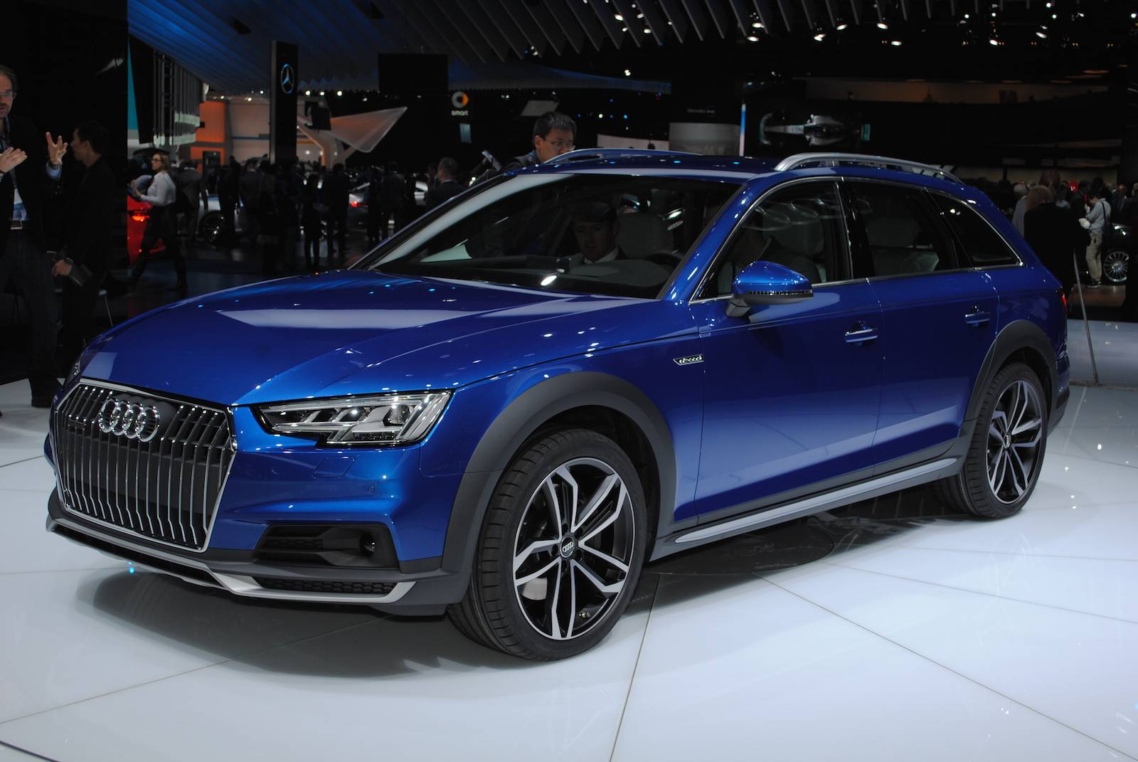 2016 audi a4 allroad quattro unveiled at detroit motor show. Black Bedroom Furniture Sets. Home Design Ideas