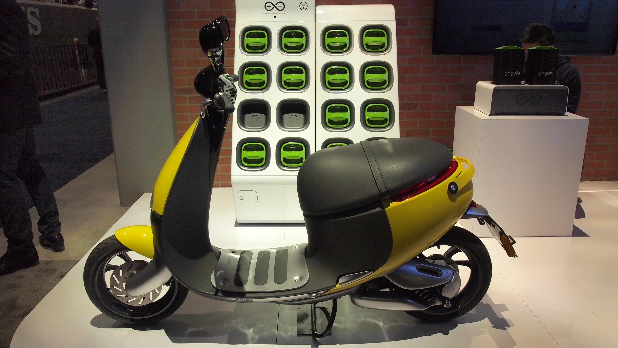 Smartscooter Plus Uses The Same Panasonic 18650 Cylindrical Cells As Tesla Model S 1