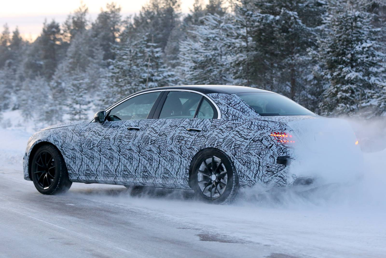 Spy Photos From The 2017 MERCEDES AMG E63 6