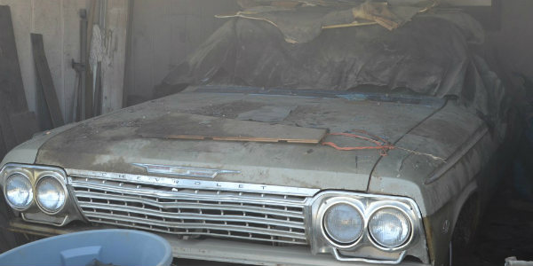 Another-FANTASTIC-BARN-FIND-Look-At-This-Forgotten-1962-IMPALA-SS-Convertible-Found-In-Spokane-WA-911