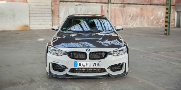 BMW M4 carbonfiber dynamics cover