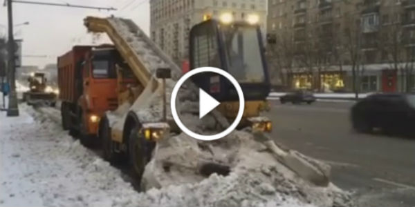 cleaning-snow-machine-moscow-12