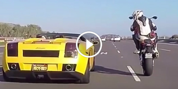 BMW S1000RR Bike Lamborghini race Wheelie 11