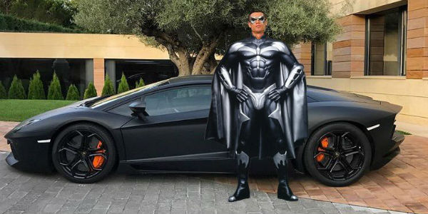 Cristiano Ronaldo Poses With His New Aventador Lamborghini ...