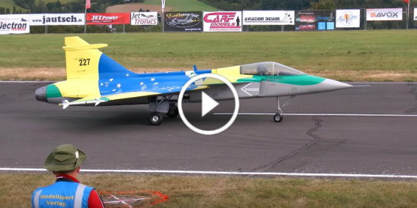 Gigantic Turbine RC Aircraft CRASH Saab Gripen 1 2 Scale Model explosion 11