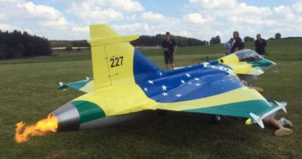 Gigantic Turbine RC Aircraft CRASH Saab Gripen 1 2 Scale Model explosion 6