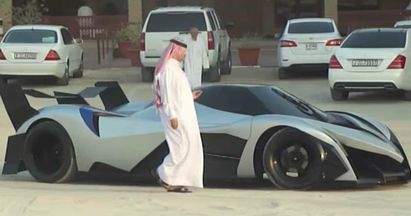 Brand New 5000HP Devel Sixteen Supercar Spotted In Dubai ...