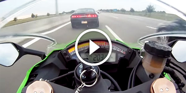 Kawasaki ZX10R Bike VS 670HP Dodge Challenger SRT Legendary Autobahn 3