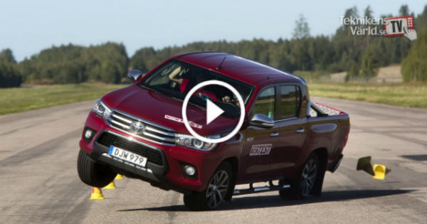 2016 Hilux Toyota Miserably Failing Moose Test 1 TN