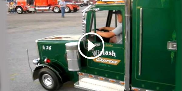 Miniature Semi Truck Replica 1 TN