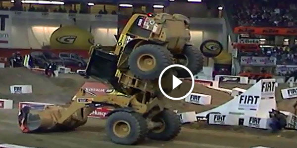 Cat 928 Operator Tricks Wheel Loader Stunts