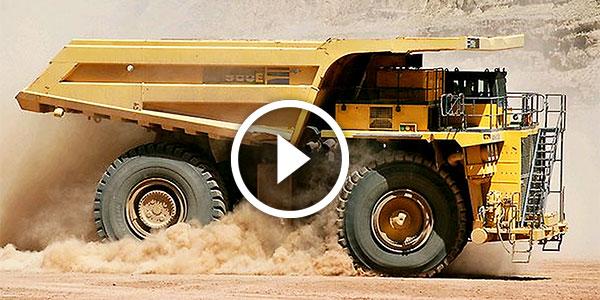 HAUL TRUCK DRIFTING Komatsu Truck Sliding 300 TONS