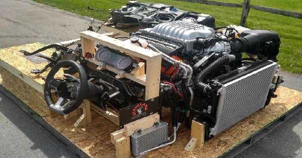 Challenger Hellcat Motor 7