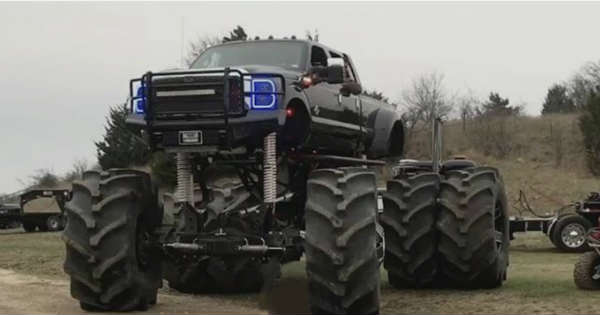 This Massive Monster Ford Dually Is Over 10 Feet Tall ...