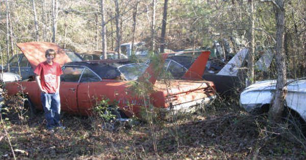 TWO 70 PLYMOUTH SUPERBIRD CARS 11