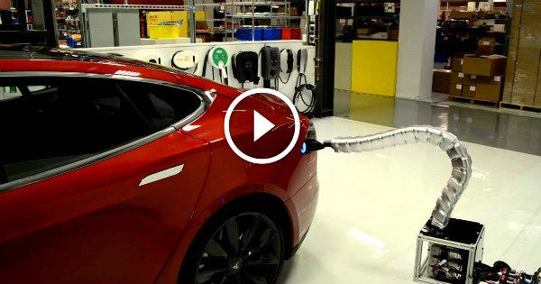 Model S Wireless Tesla Charging 2 TN
