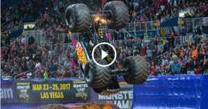 Ryan Anderson son-uva Digger Reverse Wheelie Syracuse Monster Jam 2017 4