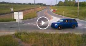 Chevrolet Trailblazer SS SUV Drifts Roundabout 2