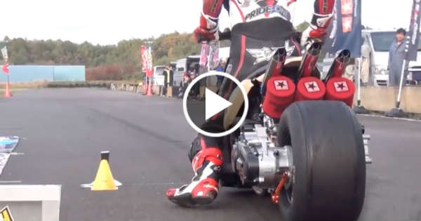 Meanwhile In Japan: 2 Stroke Scooter Drag Racing Spectacle ...
