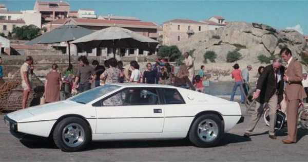 1976-Lotus-Espirit ICONIC Bond Cars driven by Roger Moore
