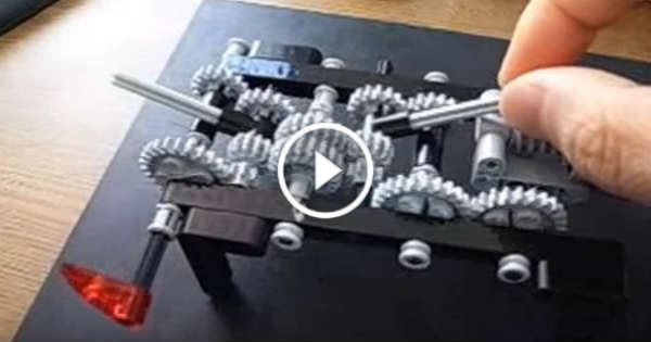 This Guy Made A 4-Speed LEGO Transmission That Just Works Perfectly