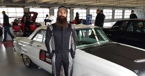 full bio aaron kaufman the famous bearded mechanic with an impressive career muscle cars zone. Black Bedroom Furniture Sets. Home Design Ideas