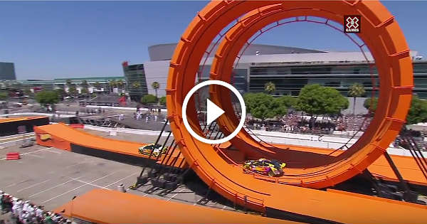 The Ultimate Guide to Building a Hot Wheels Race Track