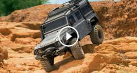 Traxxas TRX-4 Land Rover Defender rc car truck 1