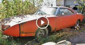 Amazing barn find 1969 Dodge Charger Daytona 3