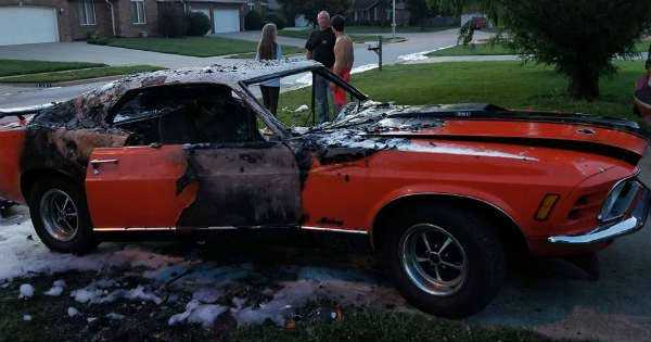 Classic Mustang Burnt Out In Flames Awful Muscle Cars Zone