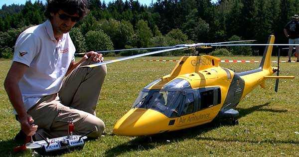 Gigantic RC Helicopter Crash 2