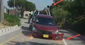 This Guy DRAGS REPOSSESSED CAR 4